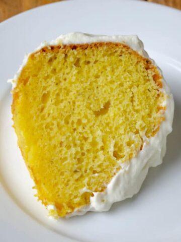 Lemon Wow Bundt Cake