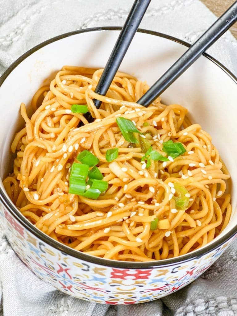 Spicy Sriracha Noodles