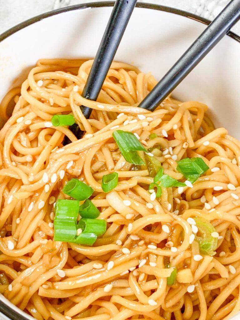 Spicy Sriracha Noodles