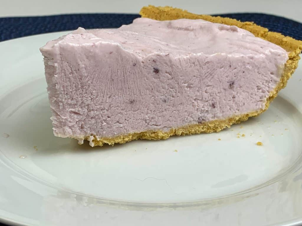 Frozen Blueberry Yogurt Pie