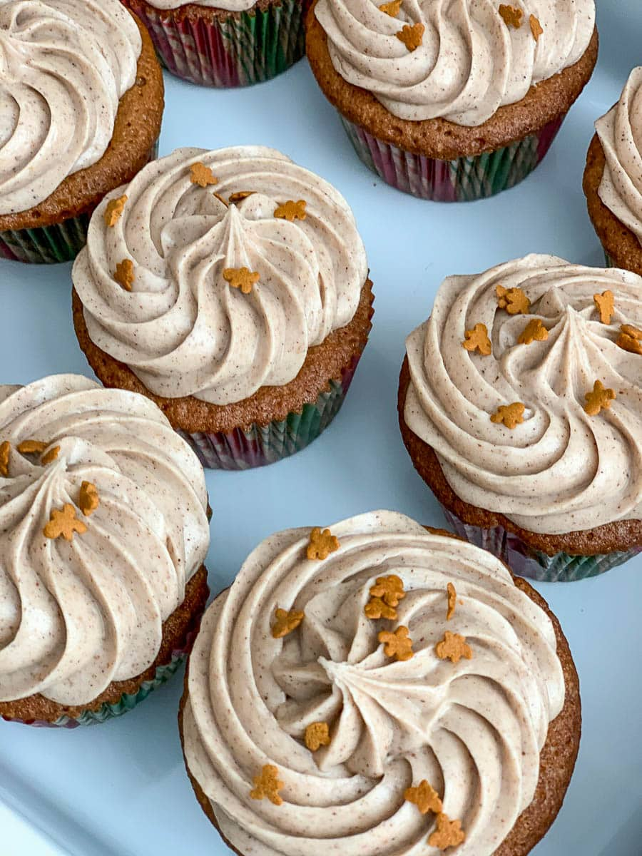 gingerbread cupcakes cinnamon frosting