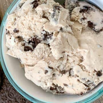 homemade oreo cookie ice cream