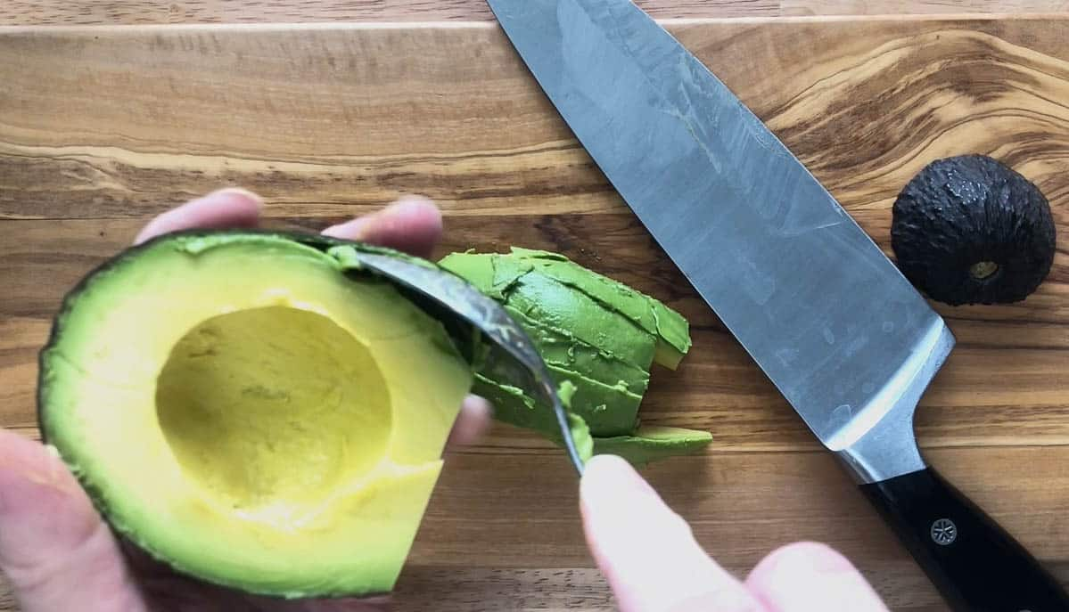 How to cut and avocado