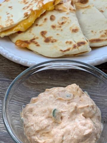 taco bell quesadilla sauce
