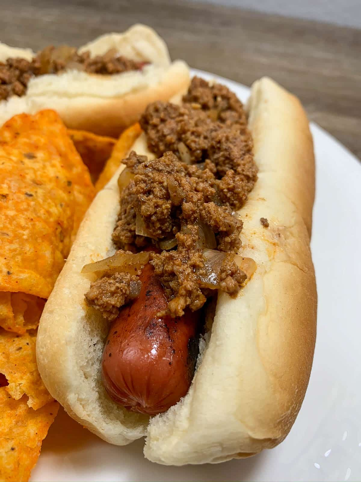 chili on hot dog