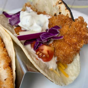 fish tacos with special sauce