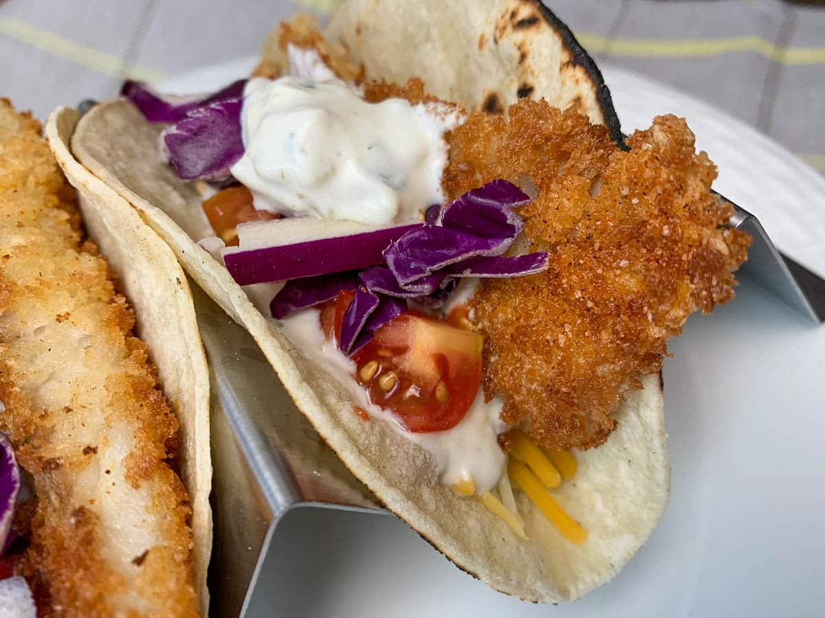 fish tacos with green chili sauce