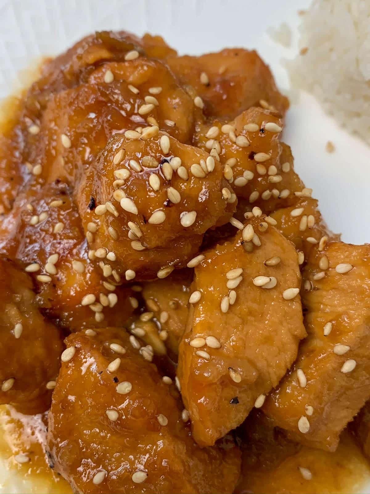 orange chicken with sesame seeds