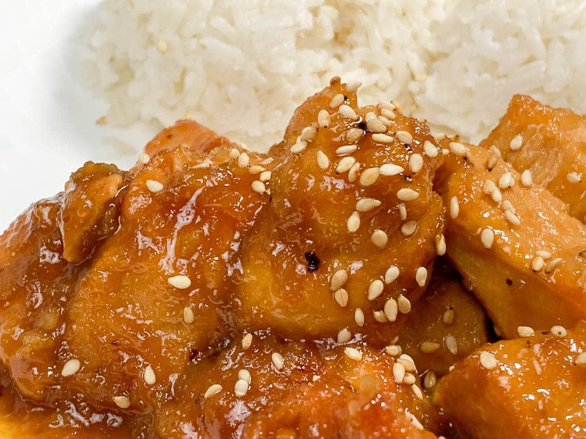 orange chicken with white rice