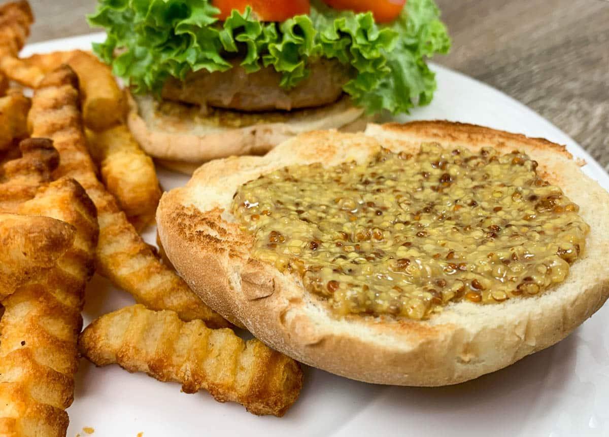 jack daniel's honey mustard on burger bun