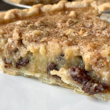 slice of raisin pie