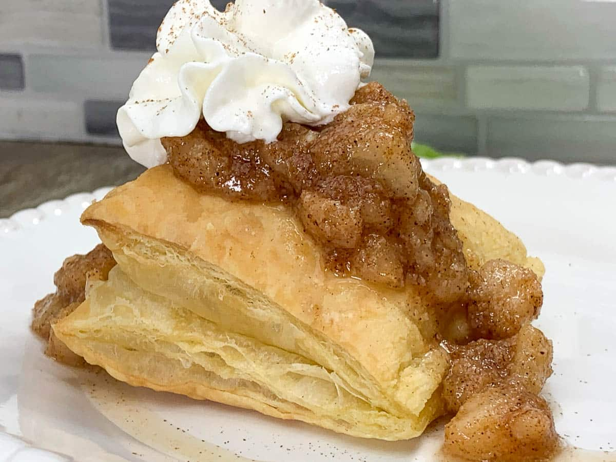 pear compote on pastry shell