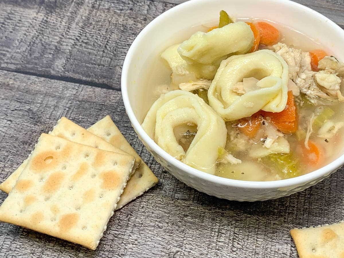 tortellini soup with crackers