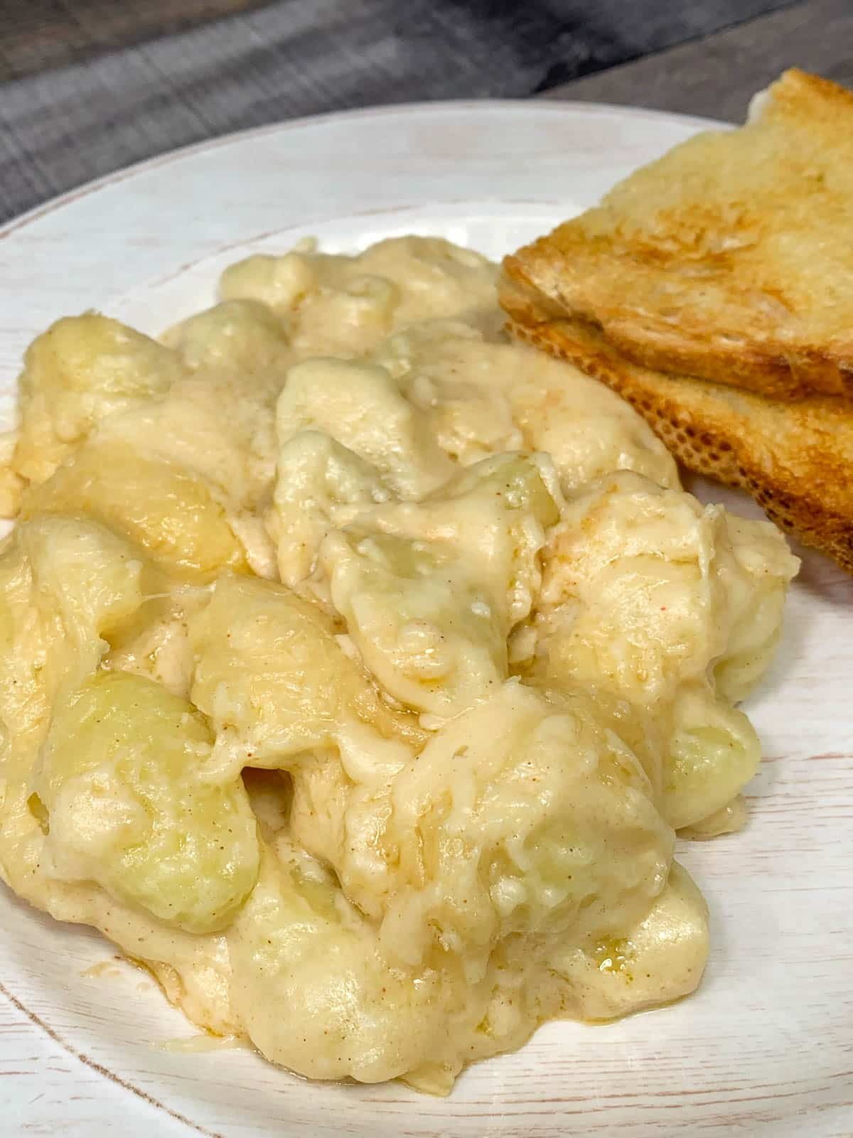 gnocchi mac and cheese with toast