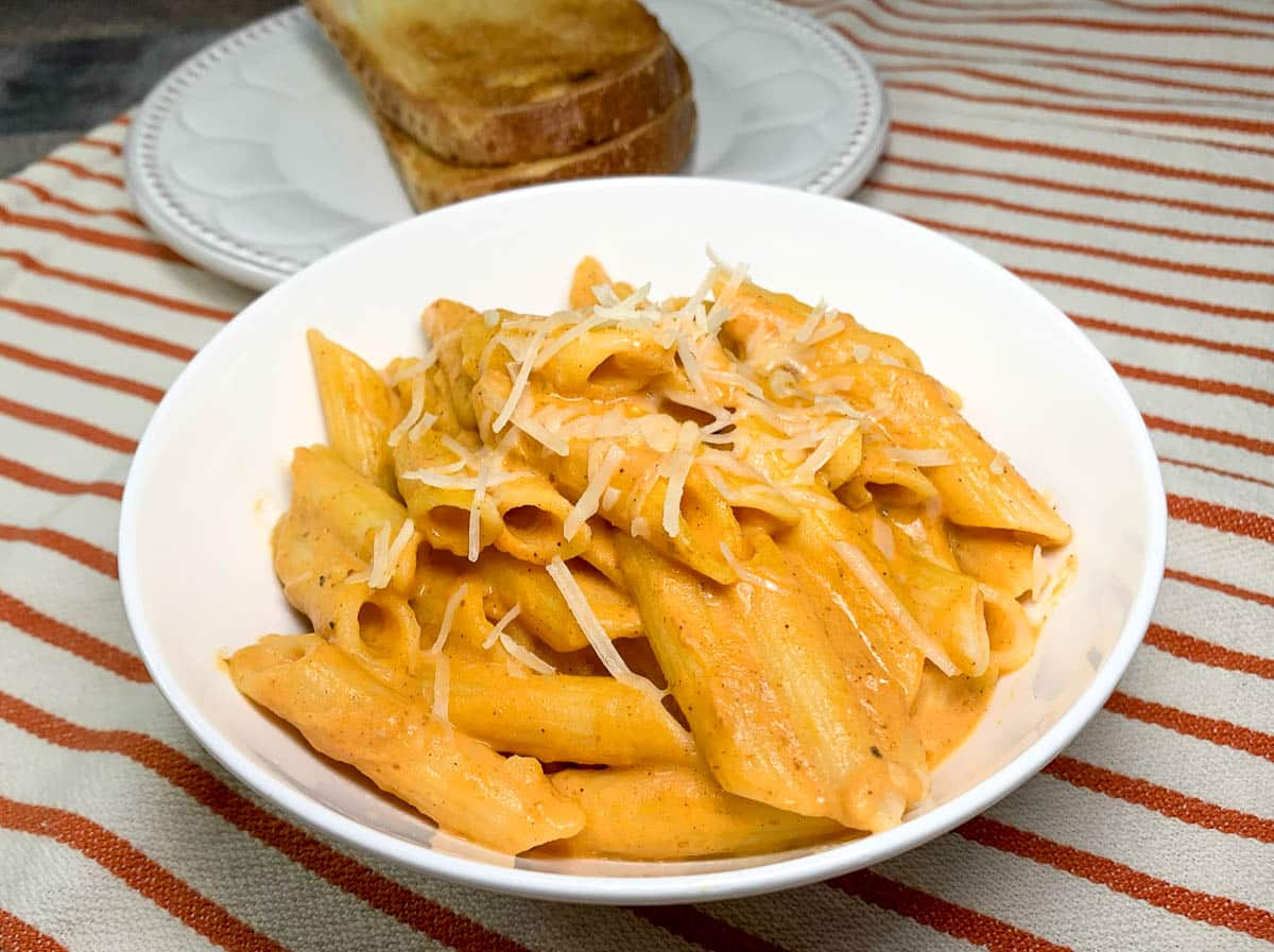 pumpkin penne pasta with toast